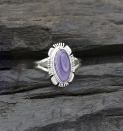 Extra Small/ Small Oval Cabochon With Designed Edge Wampum Ring